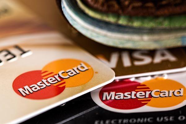 Carte Visa, Carte MasterCard, carte di credito, carte di debito