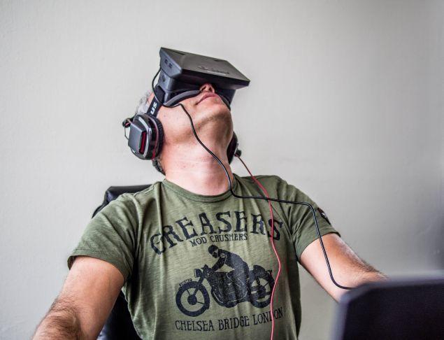 oculus-rift-non-limitera-porno