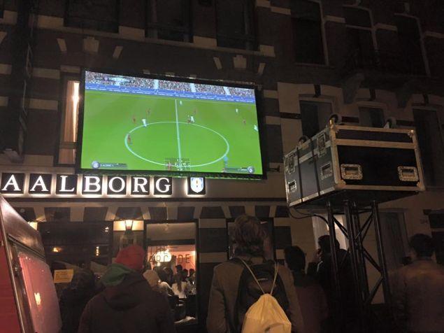 the-arcade-hotel-primo-albergo-gamer_1