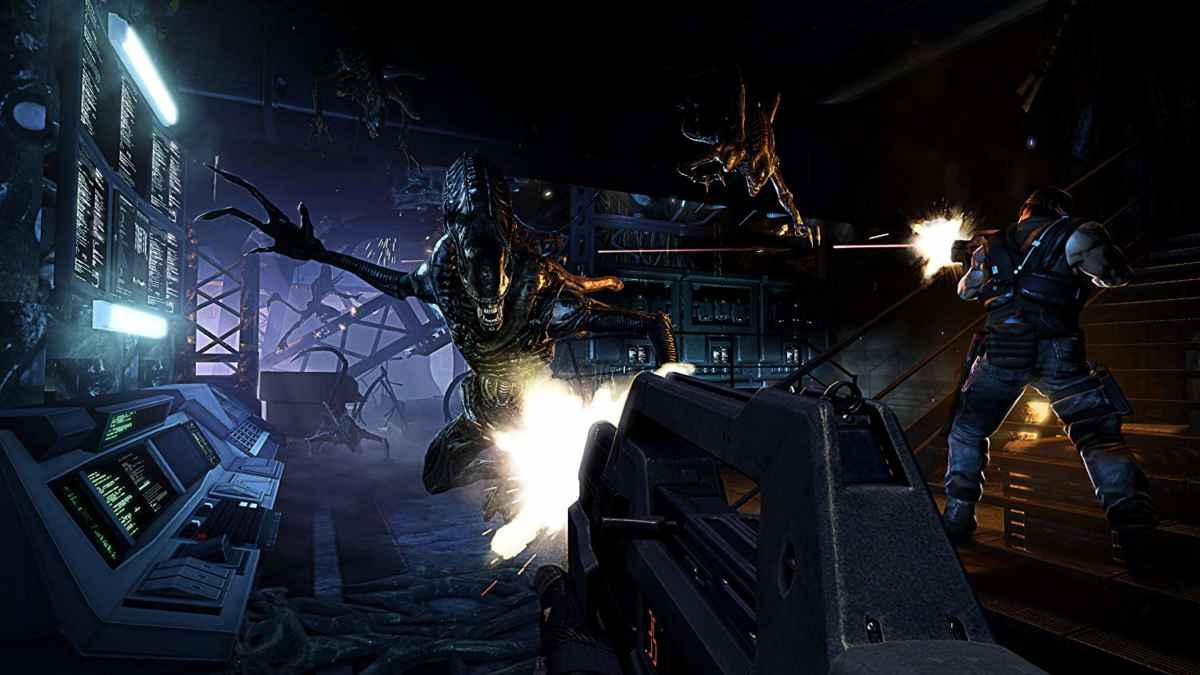 Screenshot dell'assalto di xenomorfi in Alien: Colonial Marines