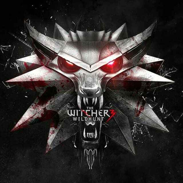 Copertina di The Witcher 3 Wild Hunt, il ciondolo di Geralt in The Witcher, il ciondolo della Scuola del Lupo di The Witcher