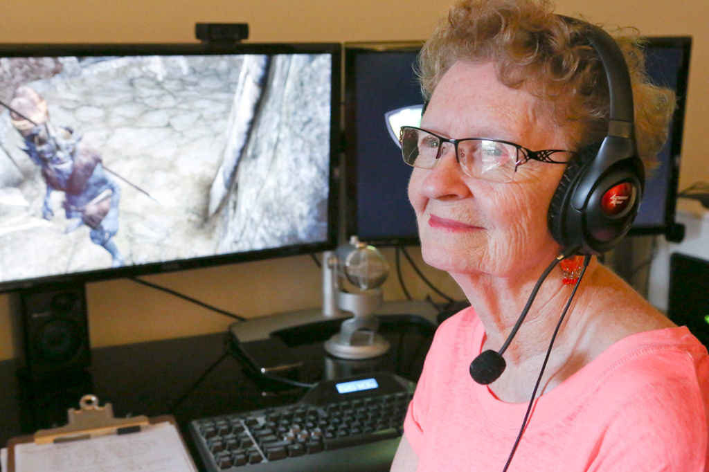 una foto della Skyrim granny Shirley Curry