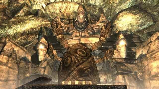 Un idolo di Hermaeus Mora, come appare in Skyrim