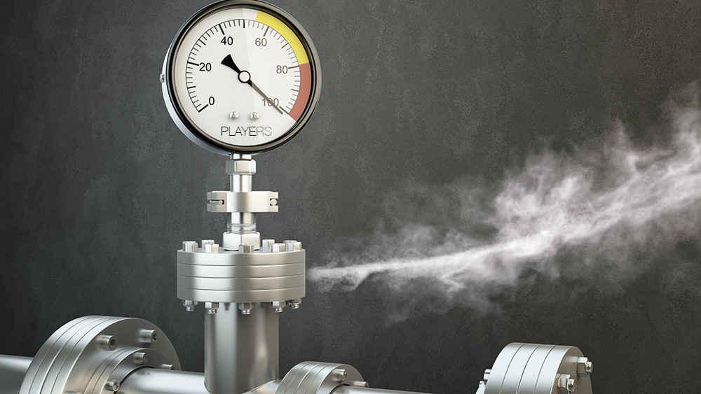 Fotogragia di una valvola a pressione con una fuoriuscita di vapore