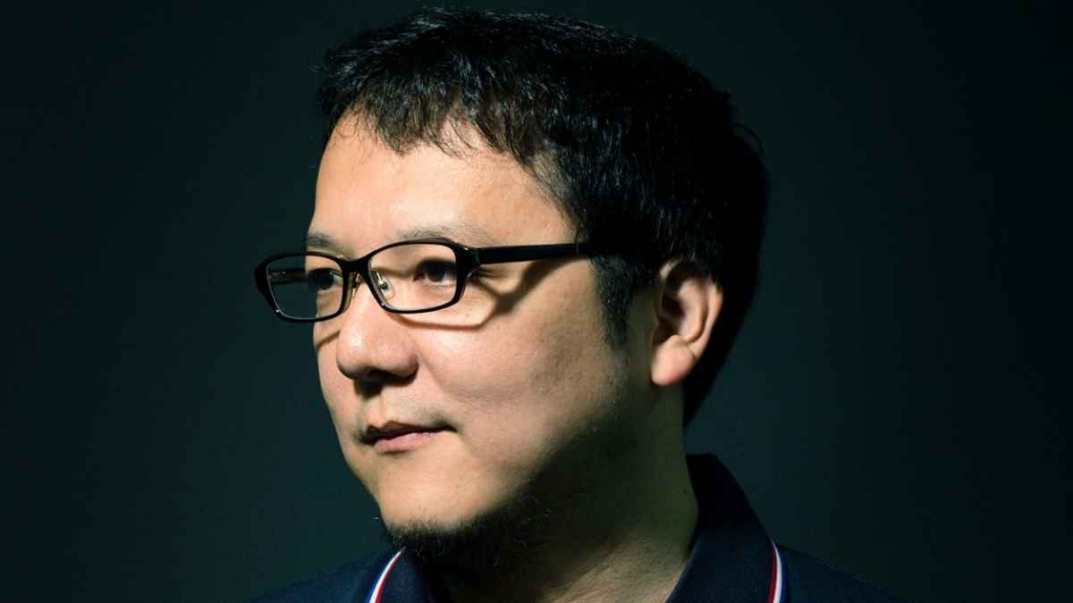 Fotografia del Game Designer di From Software Hidetaka Miyazaki
