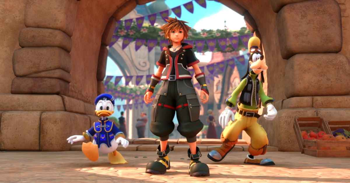 Screenshot di Kingdom Hearts 3 che ritrae Sora, Pippo e Paperino all'interno del Mondo di Hercules