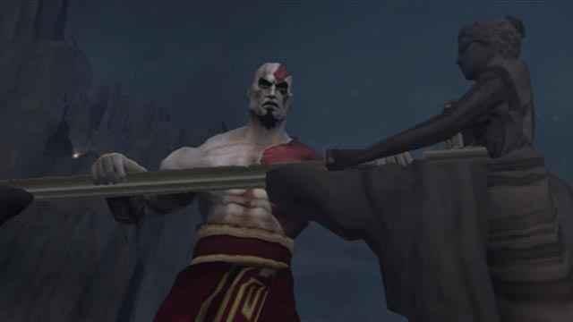 Per combattere Ares Kratos svelle un monte metallico che, in realtà, è la Spada degli Dei