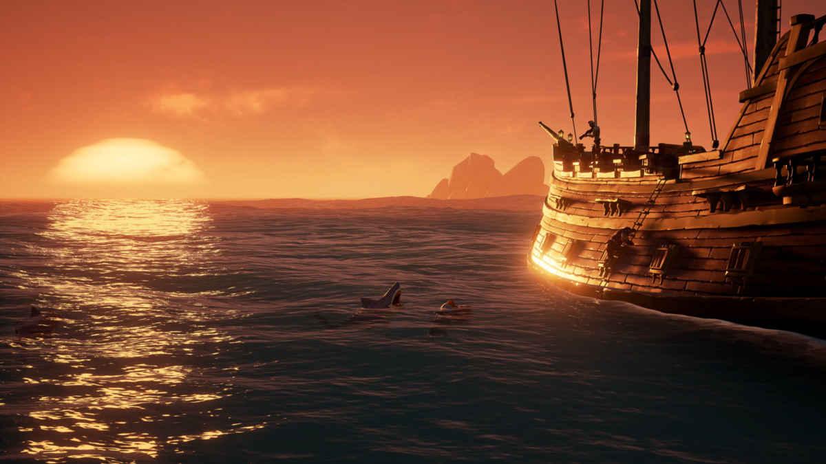 Screenshot da Sea of Thieves che mostra un pirata fuggire da uno squalo