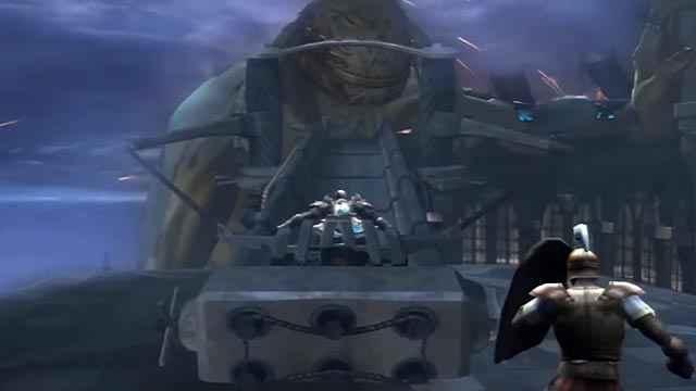 Kratos si lancia con una balista sul Colosso di Rodi