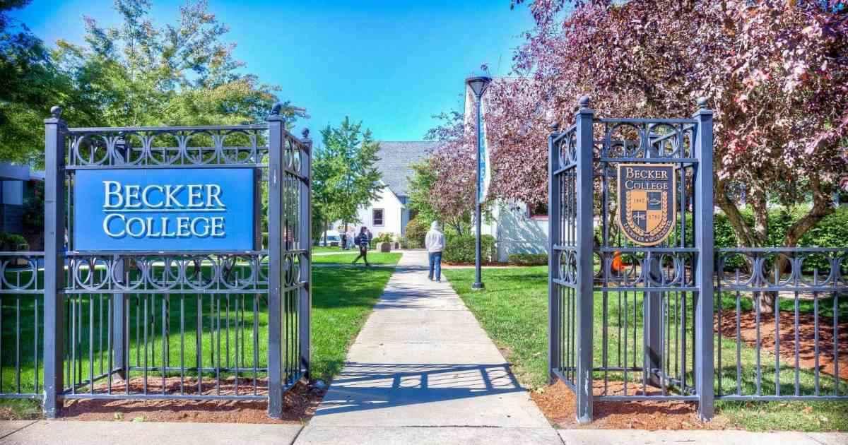 Becker College inghilterra apex legends