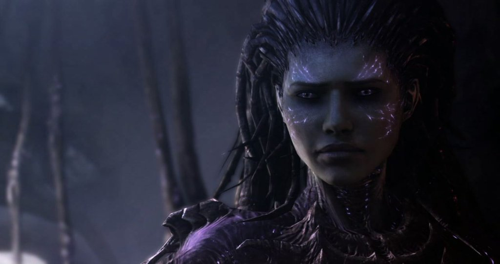 Screenshot da una cinematic di Starcraft 2 che mostra Sarah Kerrigan, Regina delle Lame