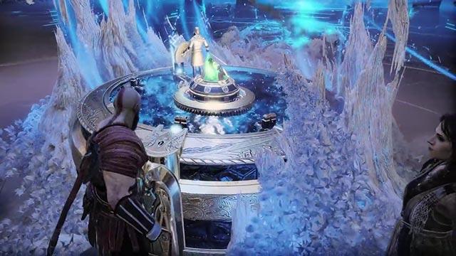 Kratos, Atreus e Freya osservano il portale nel Tempio di Tyr