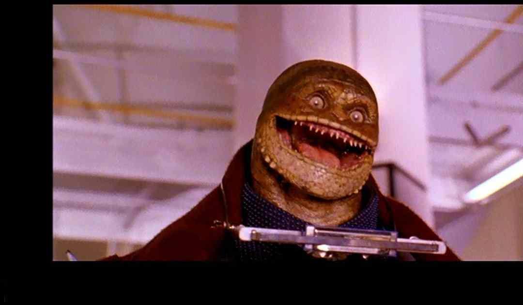 Fotografia tratta dal film di Super Mario (1993) che ritrae un Goomba