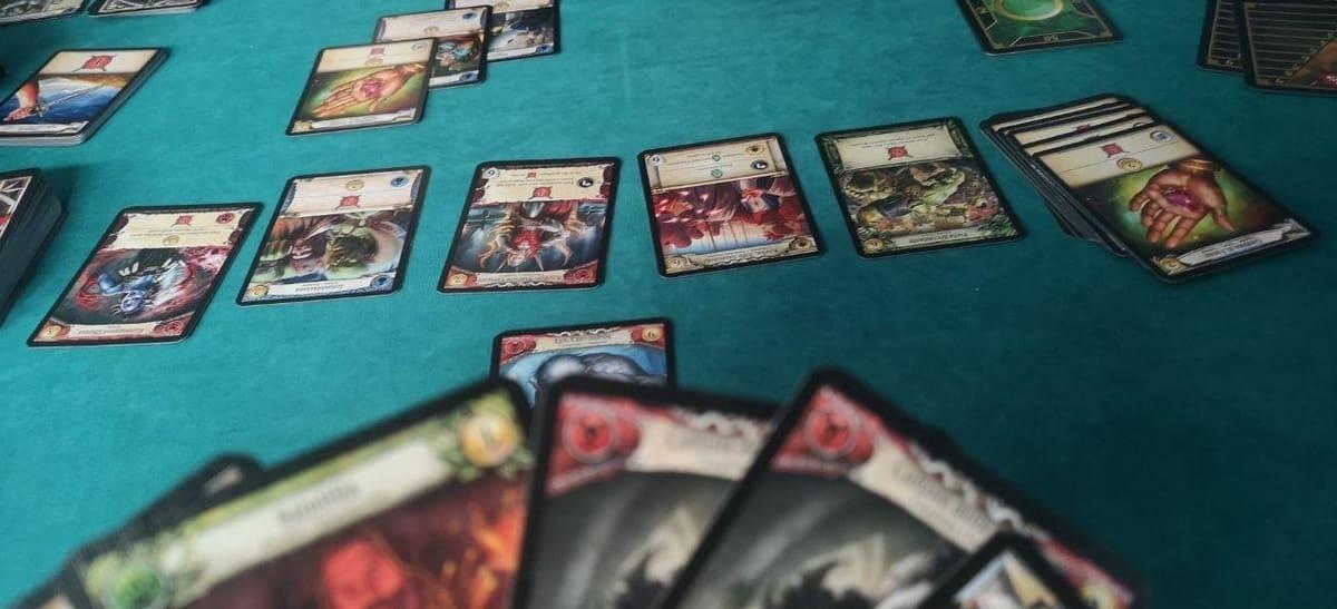 le scelte a disposizione nel mercato delle carte di hero realms