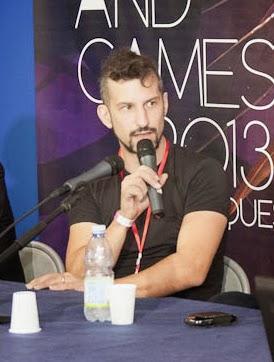 Marco Valtriani durante un panel a Lucca