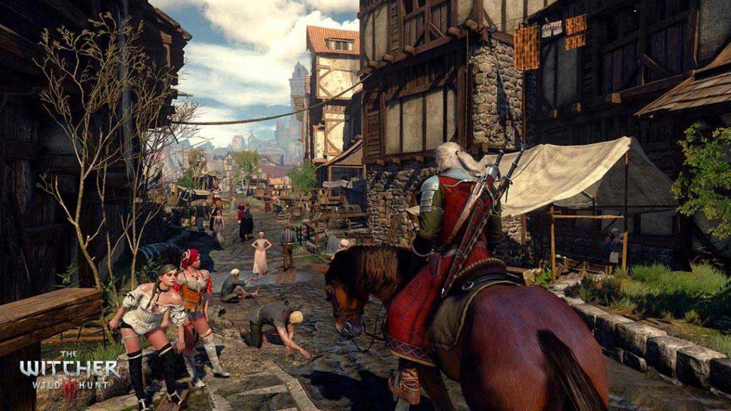 Geralt entra in città a cavallo di Roach
