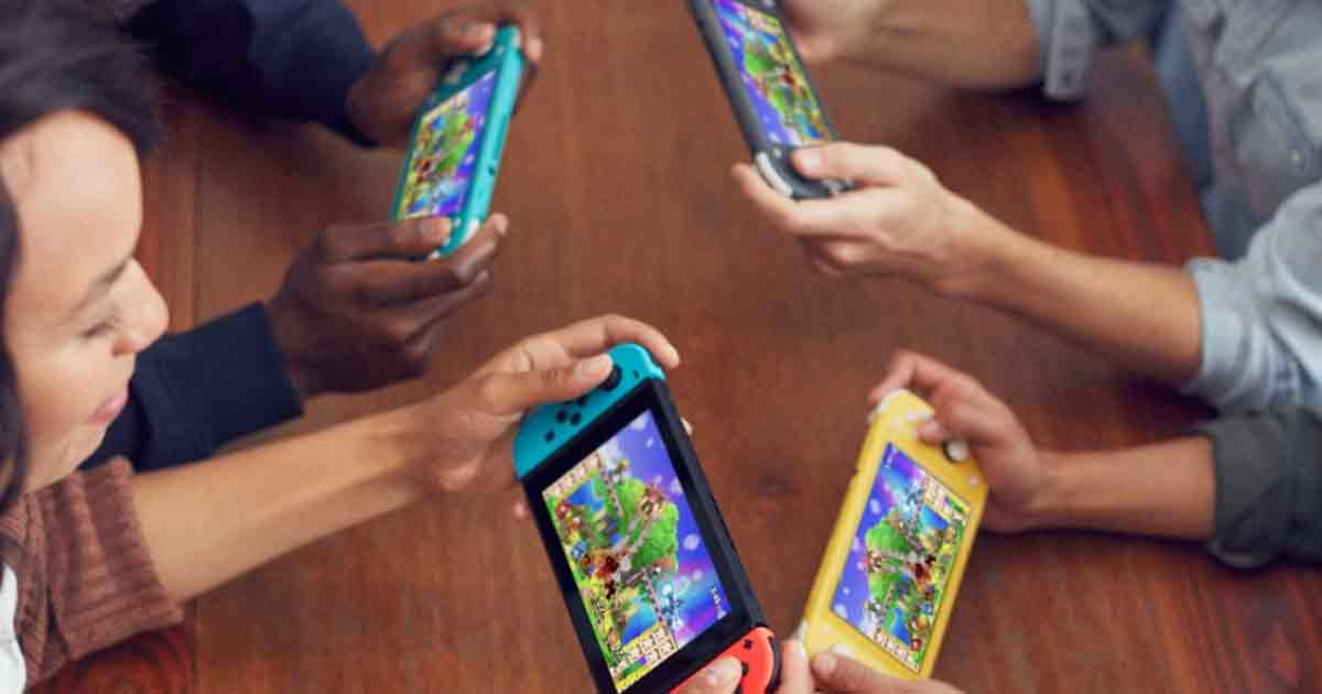 Nintendo-Switch-Lite-gioco-in-compagnia
