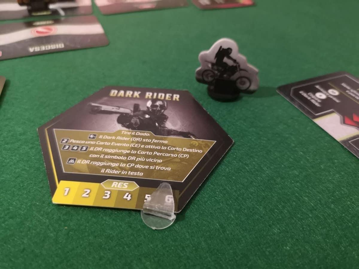 Lo stand del dark rider e la sua scheda di gioco