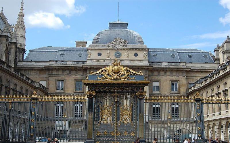 Una fotografia dell'Alta Corte di Parigi