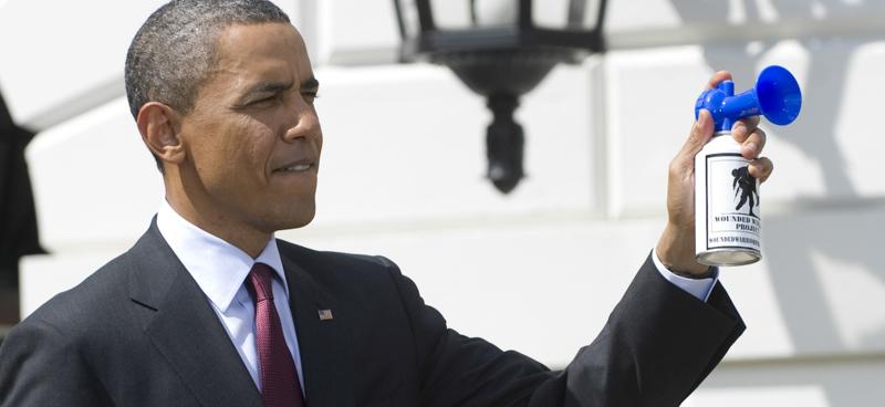 Obama con tromba da stadio