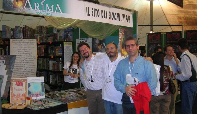 Autori-di-Ruolo_un-d12-domande-a-Paolo-Agaraff_Arima_Lucca-2005-stand-Arima