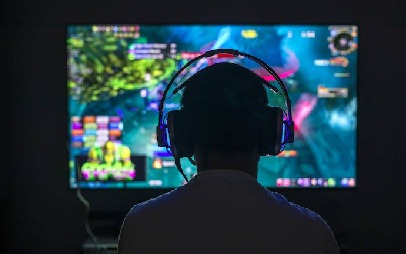 gaming, gaming online