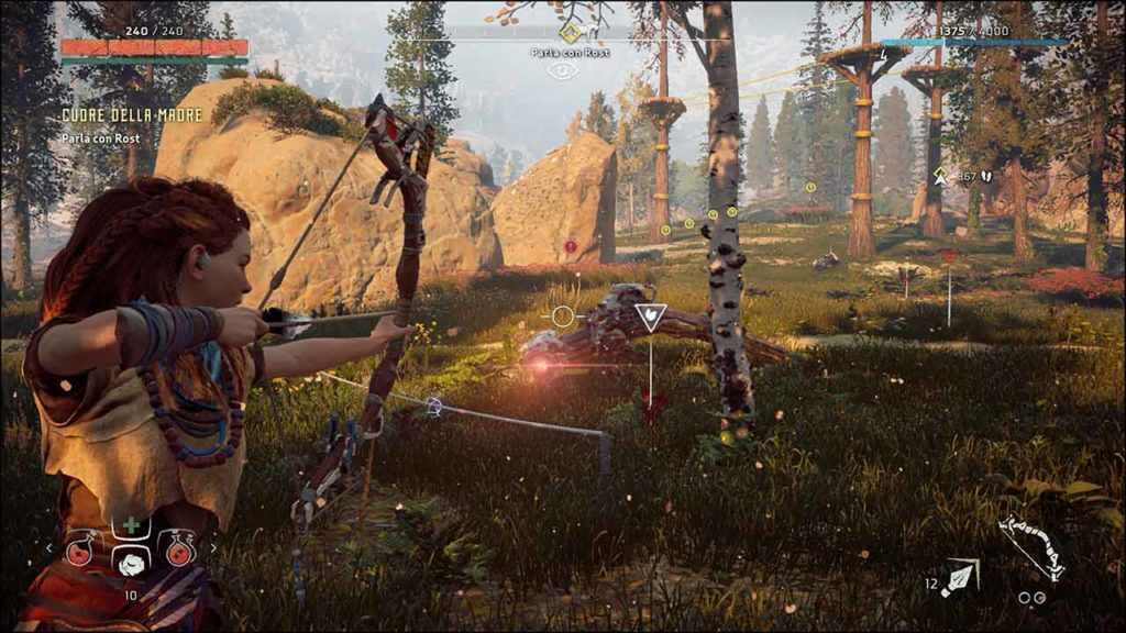 Schermata di Horizon: Zero Dawn su PC - Il giocatore tende l'arco per scoccare una freccia a una creatura meccanica