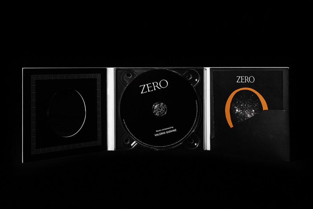 Il cofanetto del CD con la colonna sonora composta da Valerio Giovine