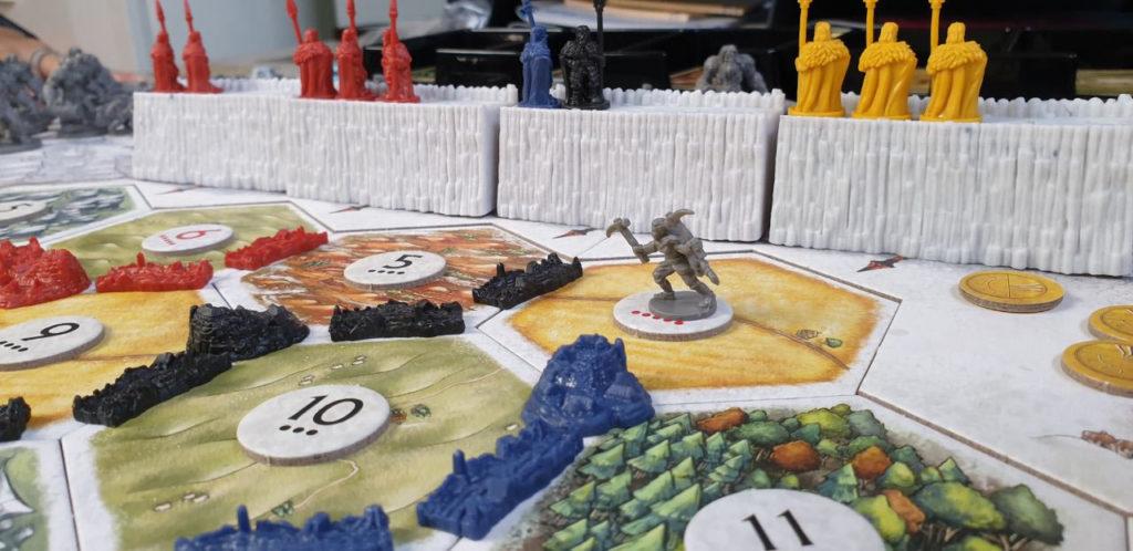 Un bruto scalatore ha oltrepassato la barriera ne Il Trono di Spade - Catan