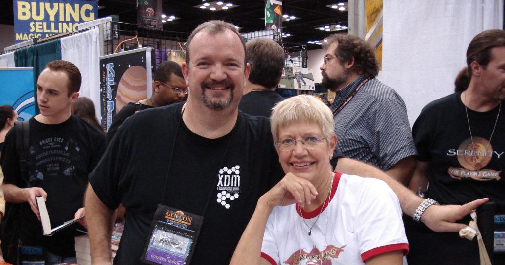Margaret Weis e Tracy Hickman, storici autori della saga di Dragonlance (fonte: Wikipedia).