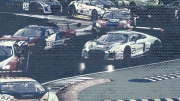 Copertina artistica di ACC, con le macchine gche gareggiano