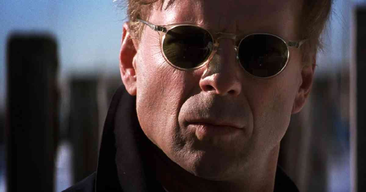 Bruce Willis, Bruce Willis The Jackal, Bruce Willis in una scena di The Jackal