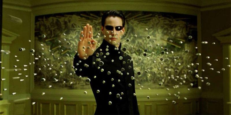 Keanu Reeves in una scena di Matrix