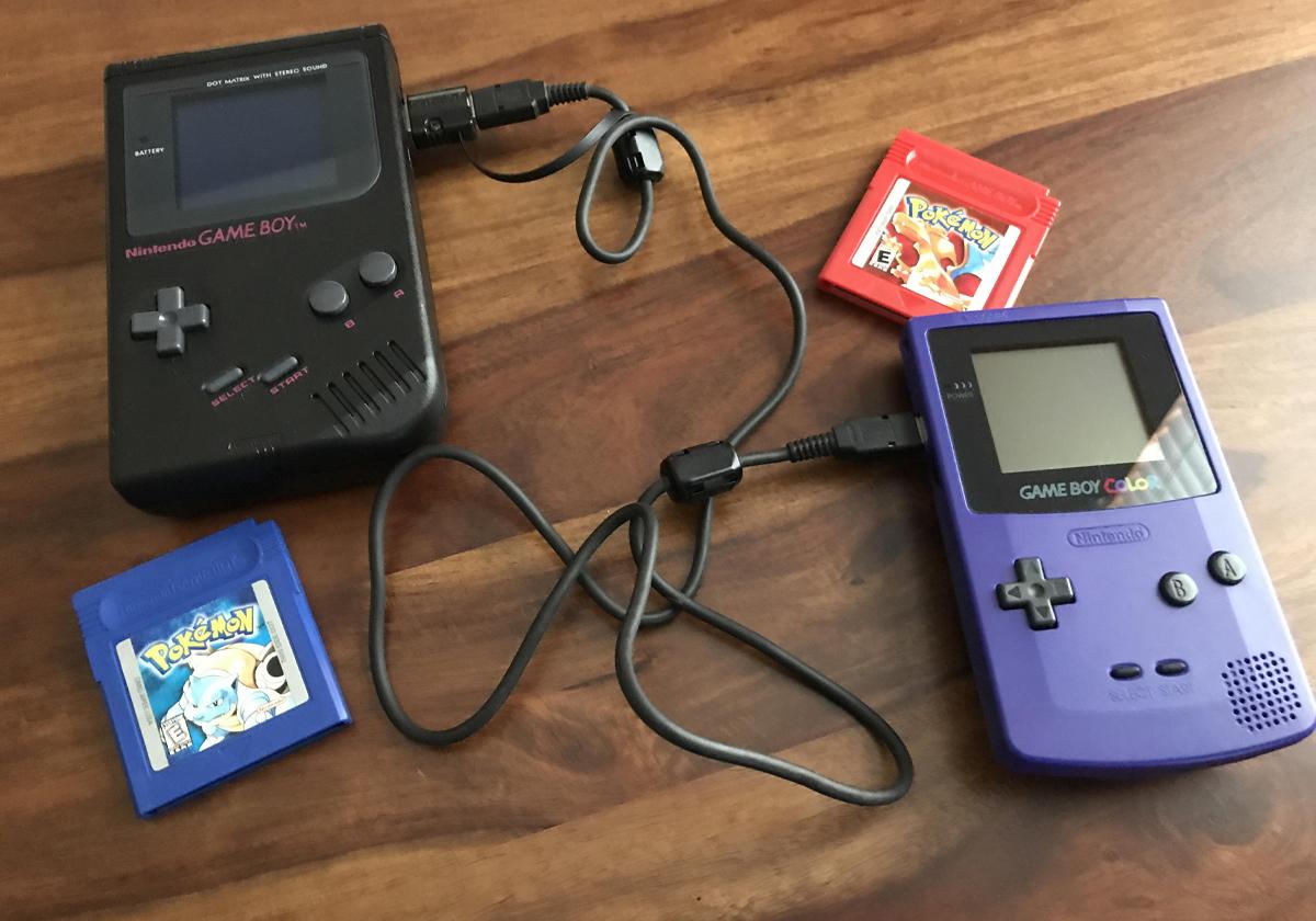 Game Link del Game Boy per scambiare Pokémon e lottare