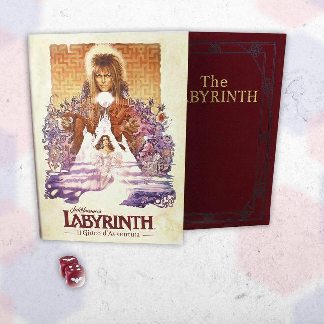 Sovracopertina, copertina e dadi gufo di Labyrinth - il Gioco d'Avventura