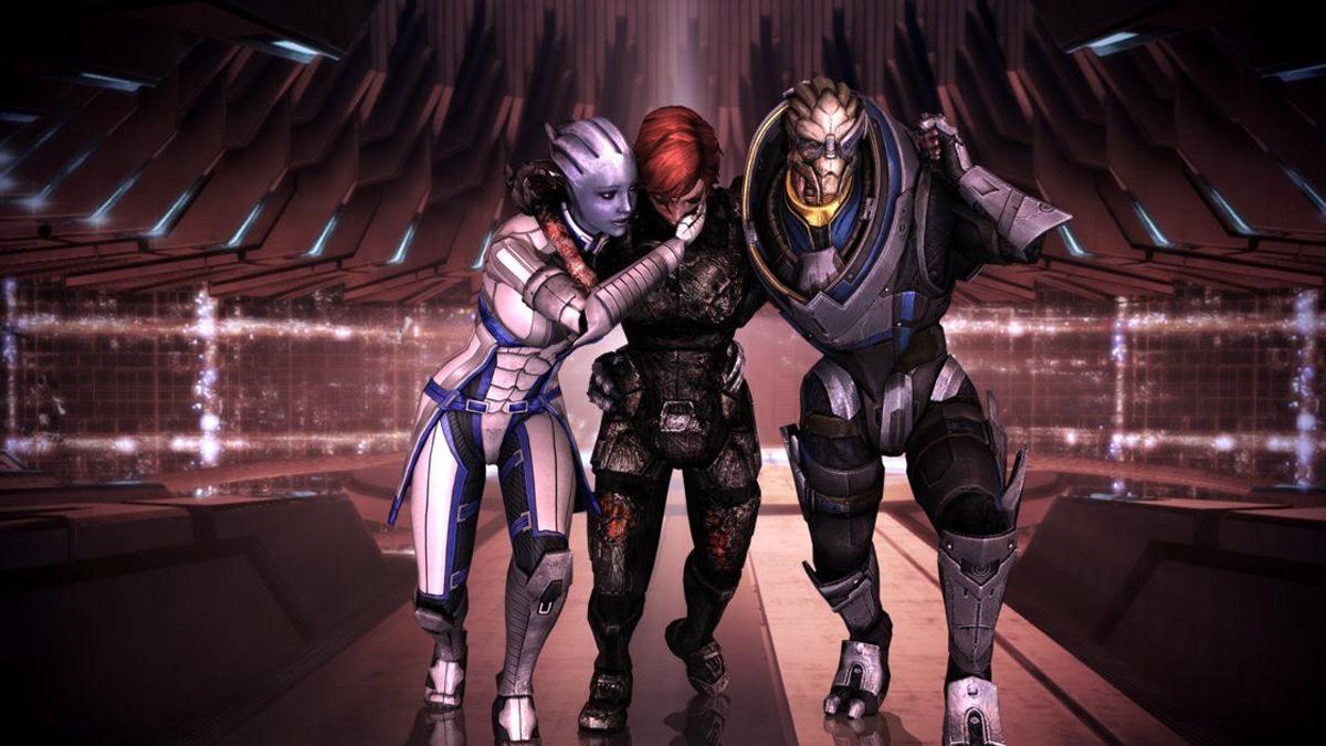 Equipaggio di Mass Effect che aiuta il giocatore